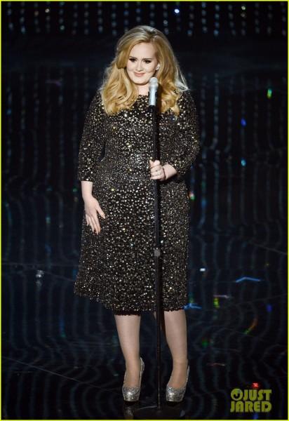adele-oscars-2013-performance-of-skyfall-watch-now-01