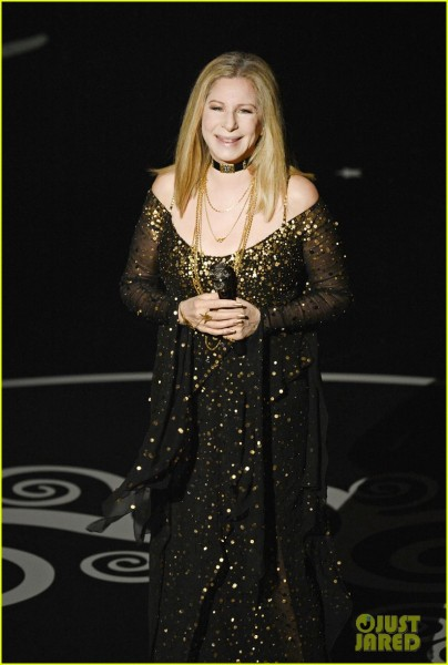barbra-streisand-the-way-we-were-at-oscars-2013-video-03