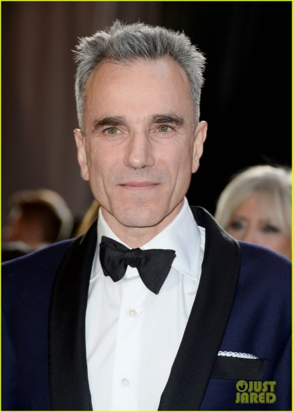 daniel-day-lewis-wins-best-actor-oscar-2013-for-lincoln-02