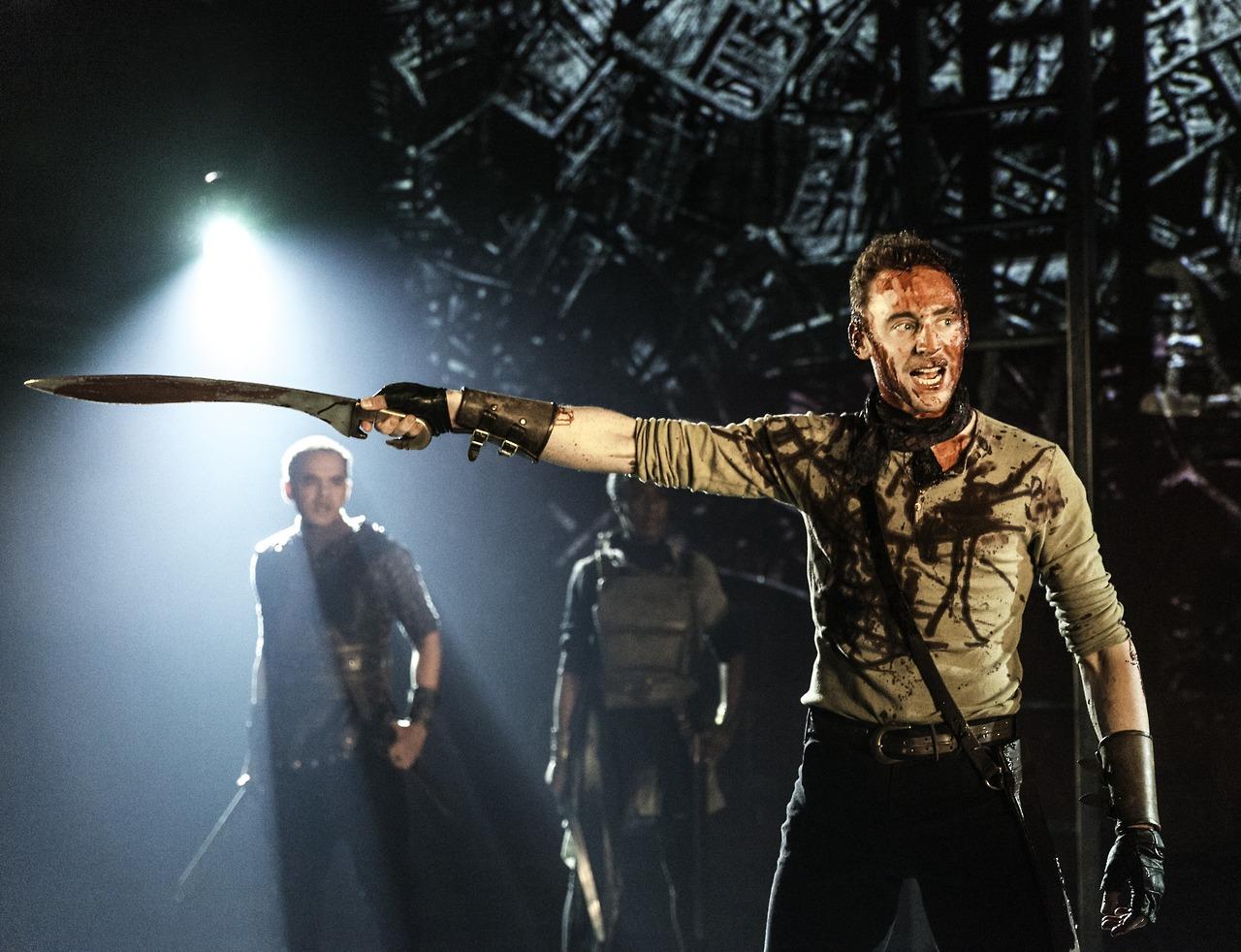 Tom-Hiddleston-Coriolanus-07