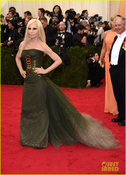 donatella-versace-met-ball-2014-04