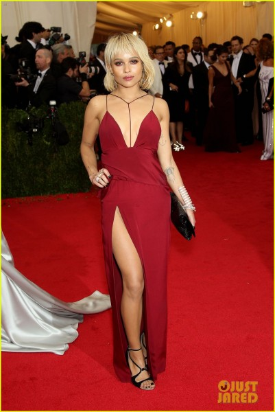 zoe-kravitz-met-ball-2014-03