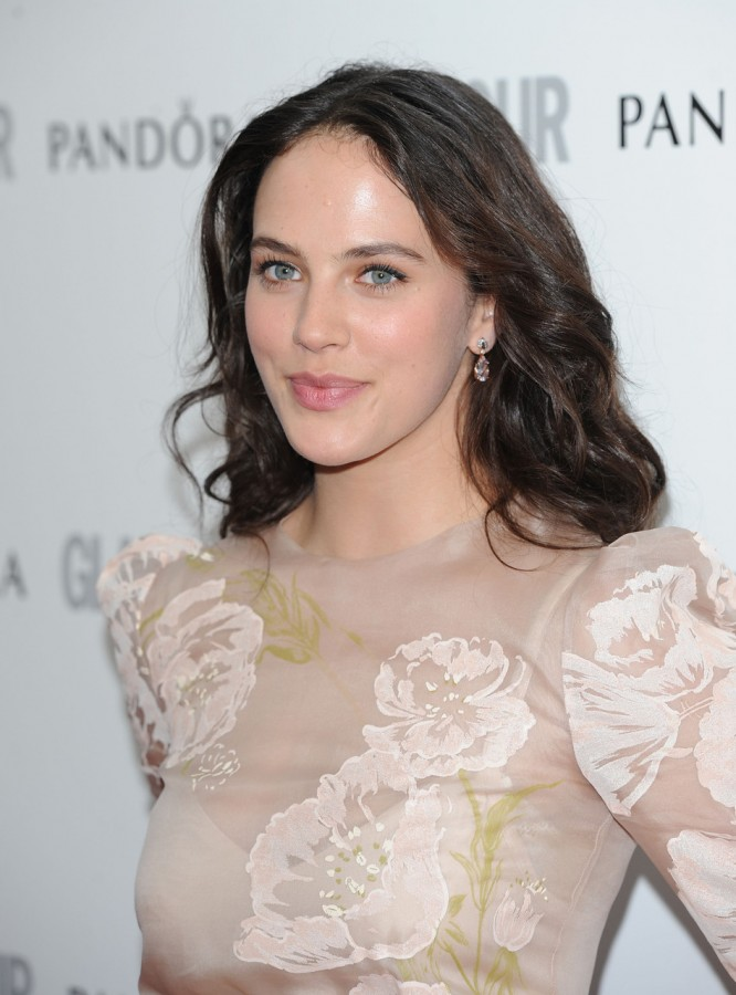 Jessica_Brown_Findlay_Photo7