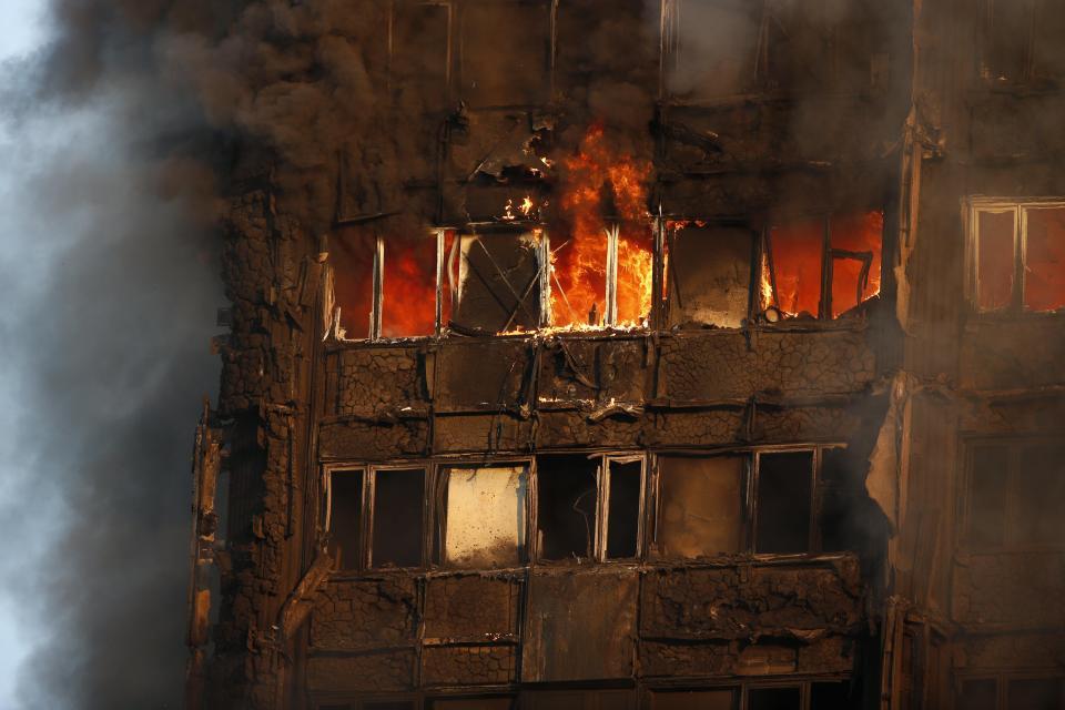 картинки с пожарами зданий
