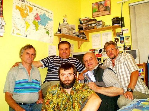 На фото: А. Филимонов, О. Неручев, я внизу, В. Мыкитенко, О. Сахаров. Кейптаун 2008 г.