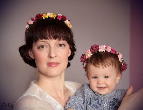 Мы с Милой в ободочка-цветочках