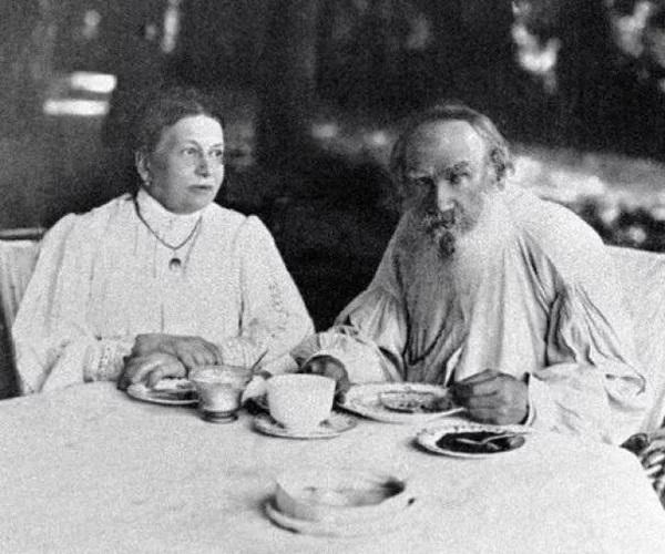 """""""Второй день начал не есть мясо"""", - запись из дневников Льва Толстого (июнь 1884 года)"""