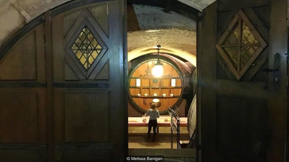 Аж с 1395 года погреба Cave Historique des Hospices de Strasbourg обеспечивают французов эльзасским вином