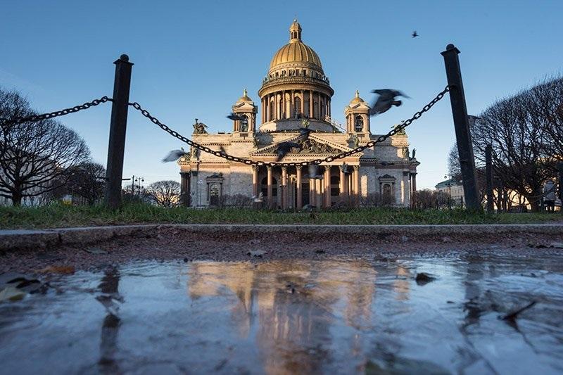 Самая громкая битва — за Исаакиевский собор в Санкт-Петербурге