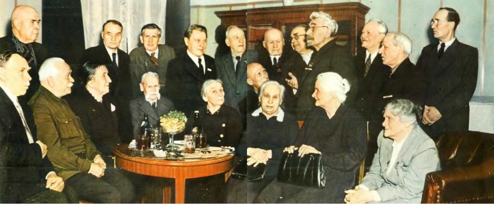Участники революции 1905 года — московские дружинники в редакции «Огонька» (декабрь 1955 года)