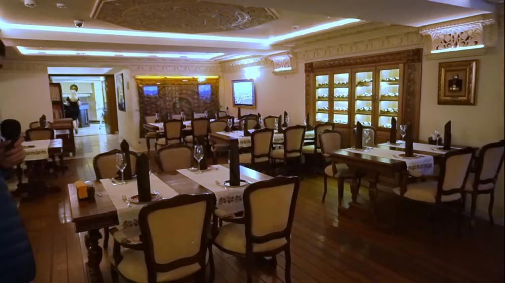 """Чтобы было понятно  - это обычный субботний вечер в ресторане """"Армения"""". Снято в районе 20:00 в субботу 5 октября"""