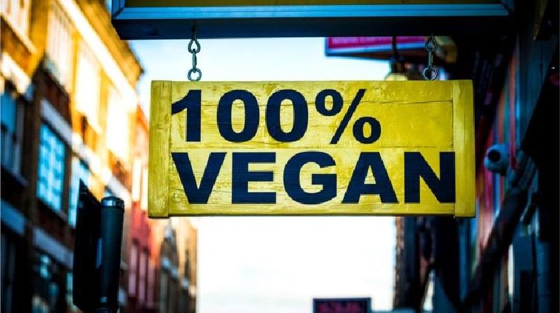 100-процентная веганская еда - звучит гордо. Но все ли так хорошо с этой едой?
