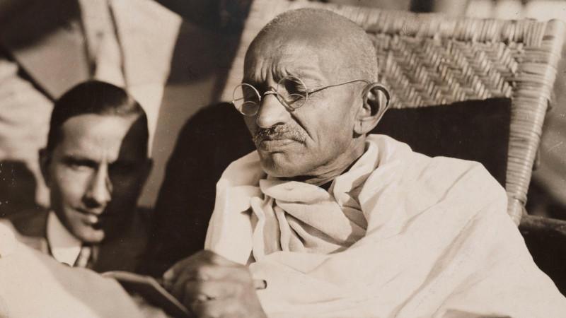 Махатма Ганди, потомственный вегетарианец, всего один раз в жизни попробовал мясо - и оно ему не понравилось
