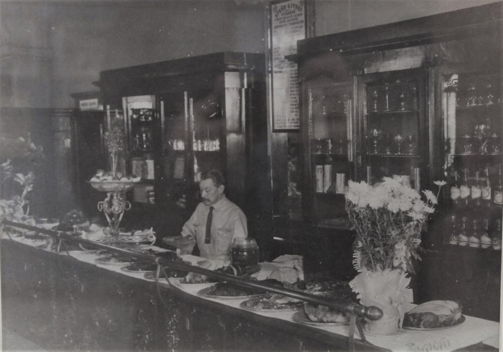 """Буфет ресторана """"Ампир"""" 1930-е годы"""
