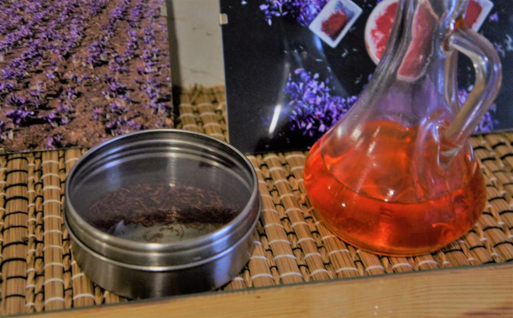 Рыльца шафрана и его раствор