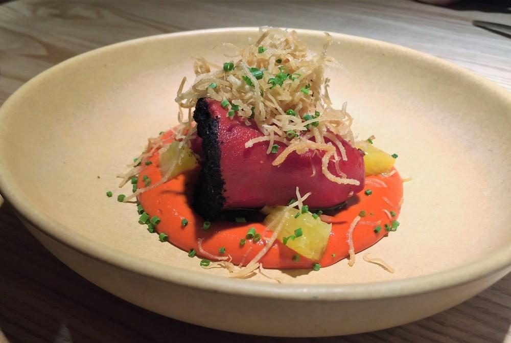 Севиче из тунца, хурма, томат и юдзу (490 руб)
