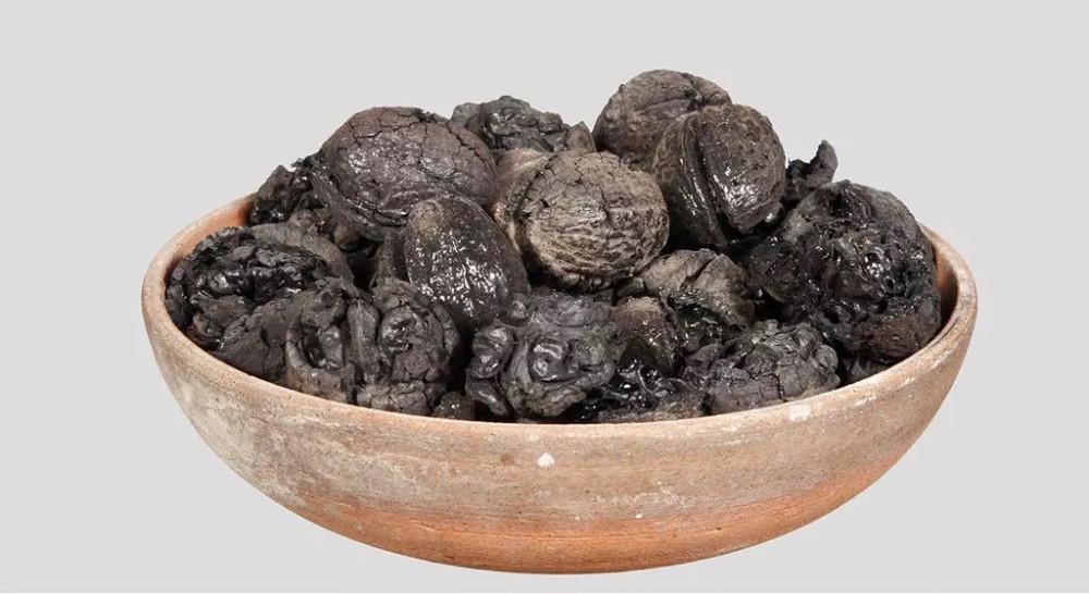 Грецкие орехи. © Musée archéologique national de Naples
