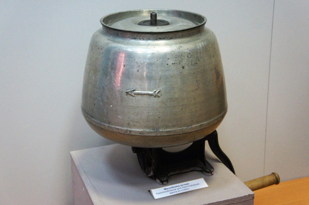 Ручная маслобойка. Сегодня это экспонат Якутского государственного объединенного музея истории и культуры народов Севера