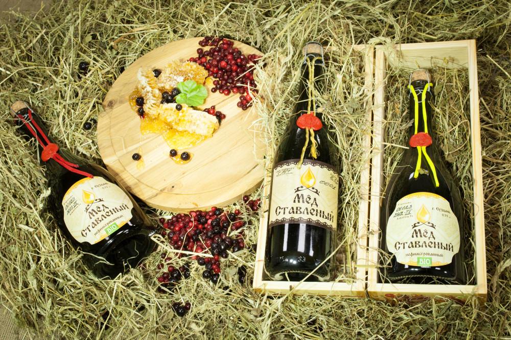 Попробовать такой ставленый мед можно в Музее российских национальных напитков, который недавно открыл Игорь Кехтер. Музей расположен в городе Гаврилов Посад недалеко от Суздаля