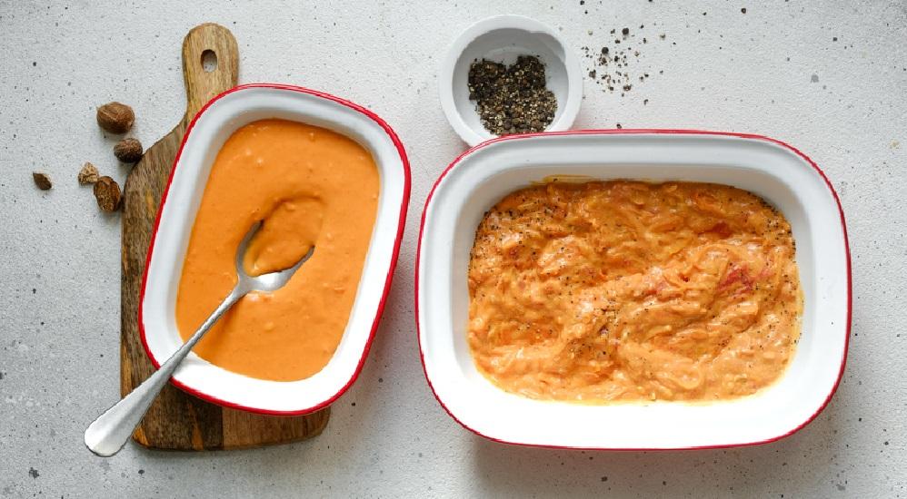 Соусы-подливки для тефтелей и ёжиков с рисом, томатный Аврора (справа) и сметанный (слева)