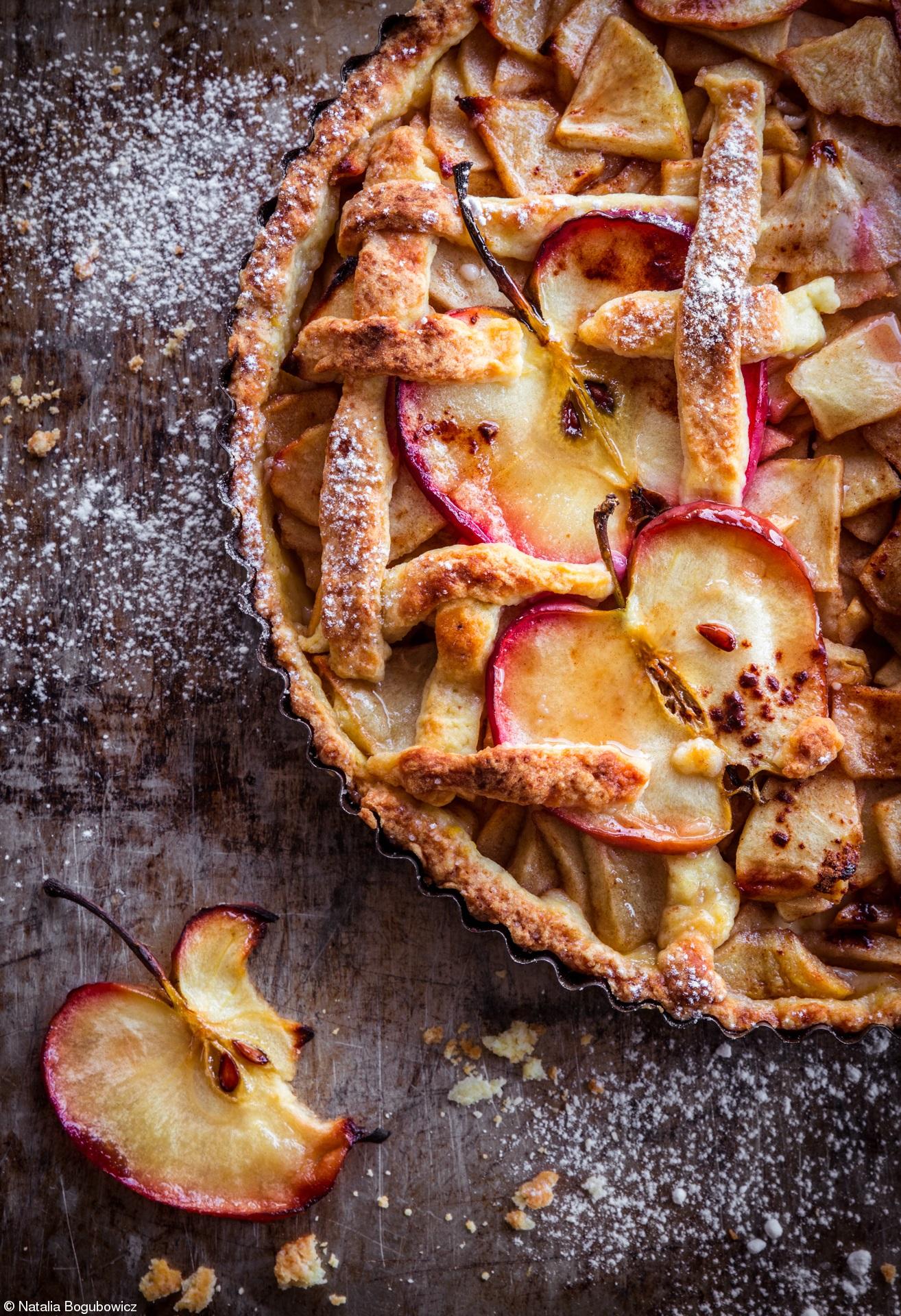 Печеные яблоки в разрезе