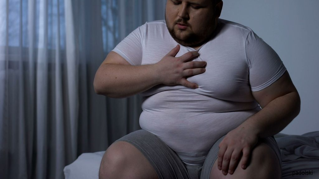 overweight-man-feeling-chest-pain-footage-089445798_prevstill.jpeg