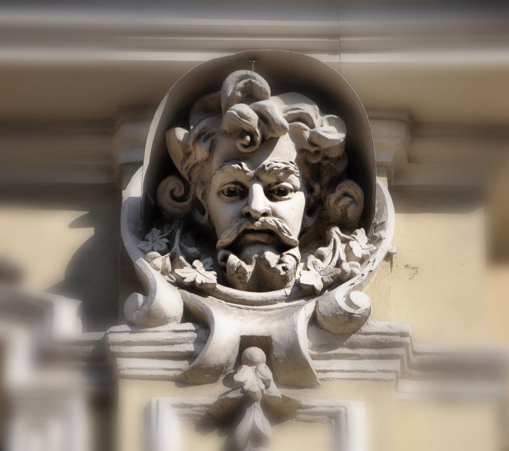 Римского-Корсакова, 9