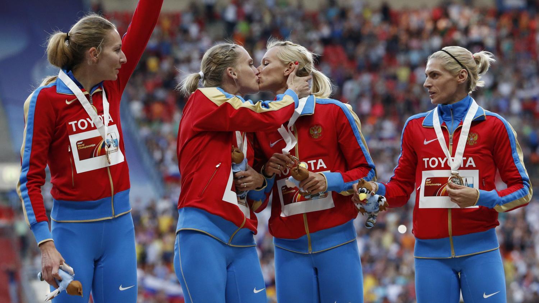 Спортсменки лесбиянки смотреть онлайн, девки дают в очко фото