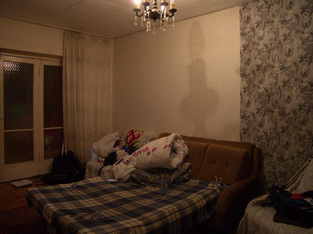 DSCN3028_Сухум, у Ростова