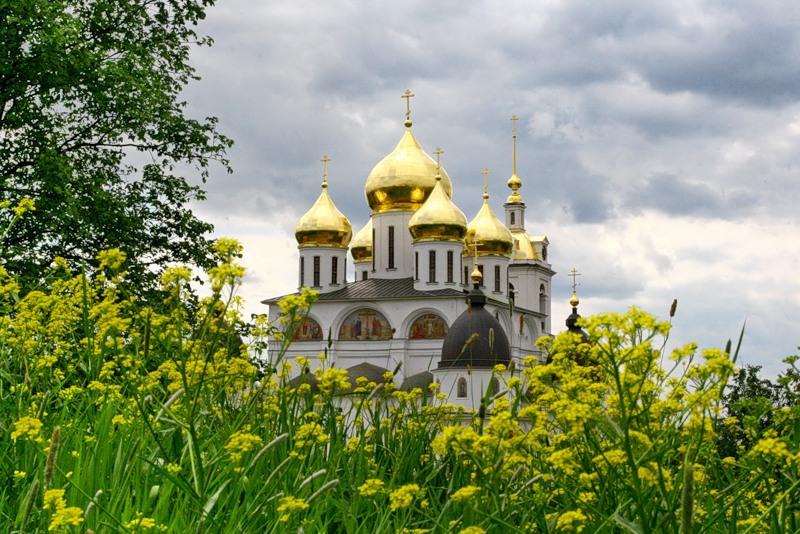 Стихи о России.  Здравствуй, Россия, святая страна