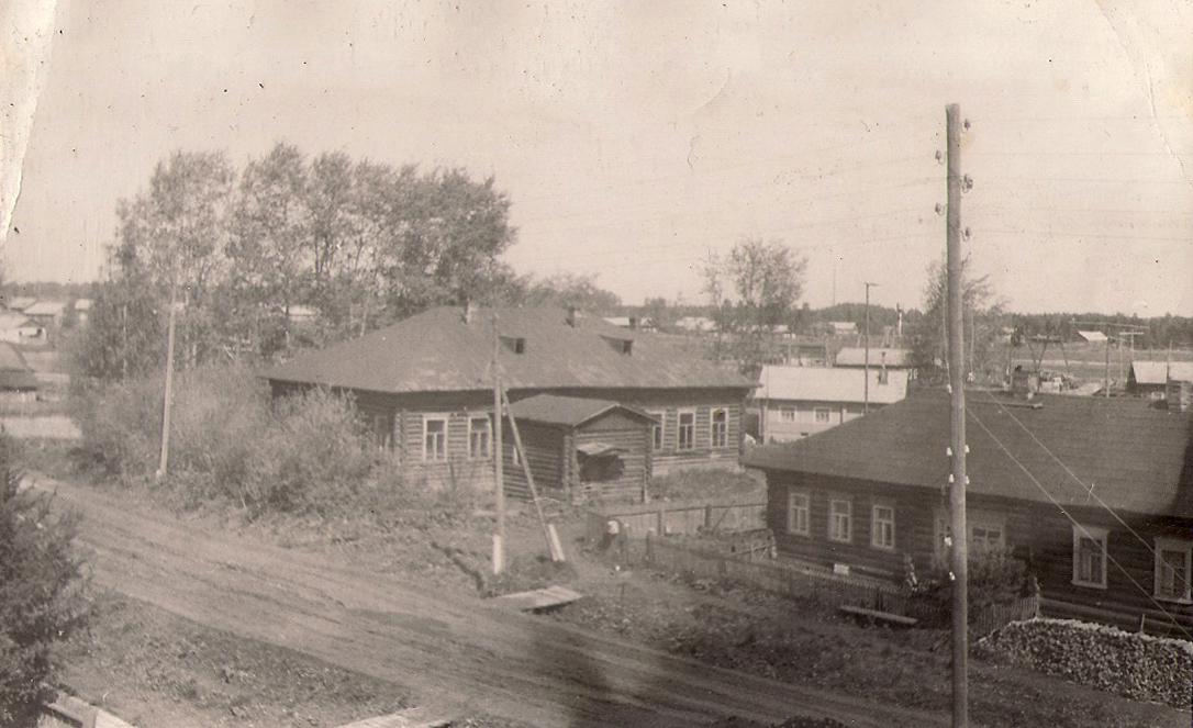 22 здание волостного правления и флигель писаря В.Хаустова 1990е годы