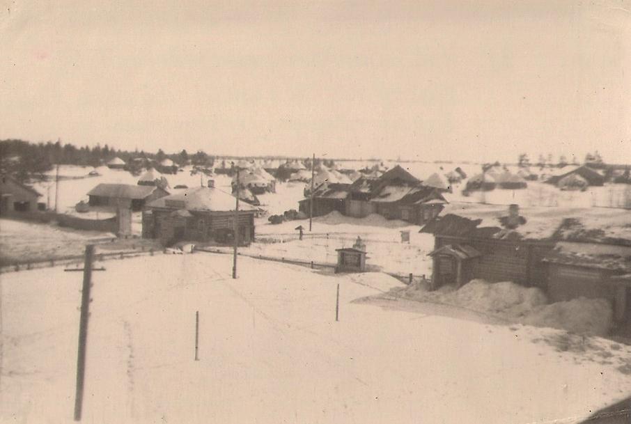 22 Новотроицкий льнозавод 1959г проходная и справа контора клуб вдали скирды льноьтресты