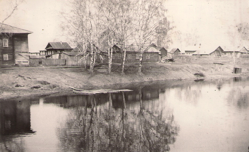23 река Паозер плёс у моста вид 7 Берёз 1978г
