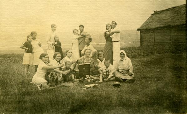 В Шабалинском крае  1935 год – год открытия на Новотроицком льнозаводе  детского сада