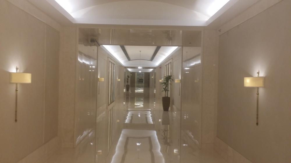 Два подземных перехода - в Киеве и в Абу-Даби (Объединенные Арабские Эмираты)