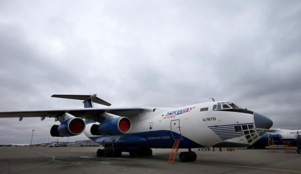 Самолёты азербайджанской авиакомпании Silk Way Airlines, участвовавшие в доставке вооружений на Ближний Восток.
