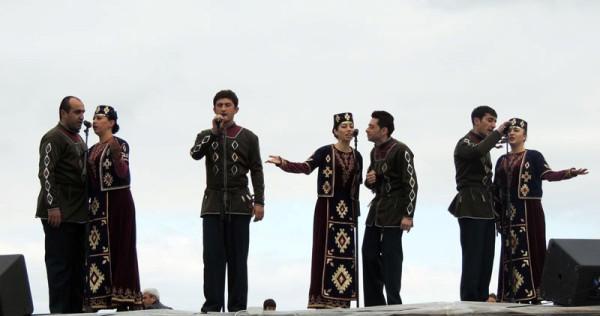 Ansambl_My_i_nashi_gory_ispolnyayut_Dzhan_Karabah