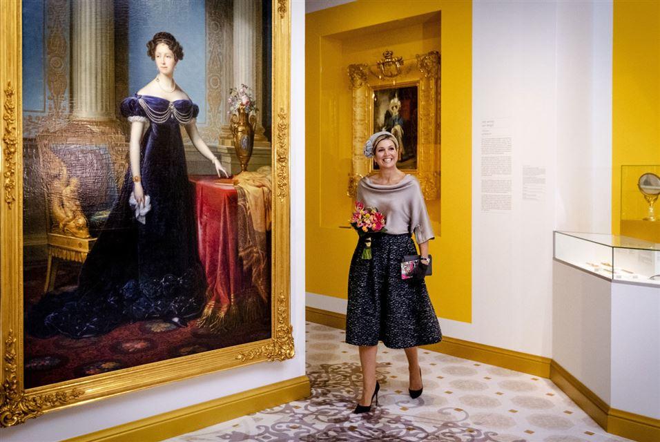 Dutch Queen Maxima exhibition Anna Pavlovna, Colourful Queen