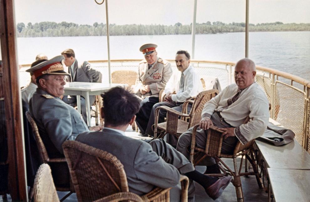 Tito, Mikoyan, Khrouchshoff