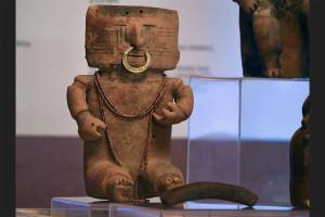 pre-Columbian pottery piece   2