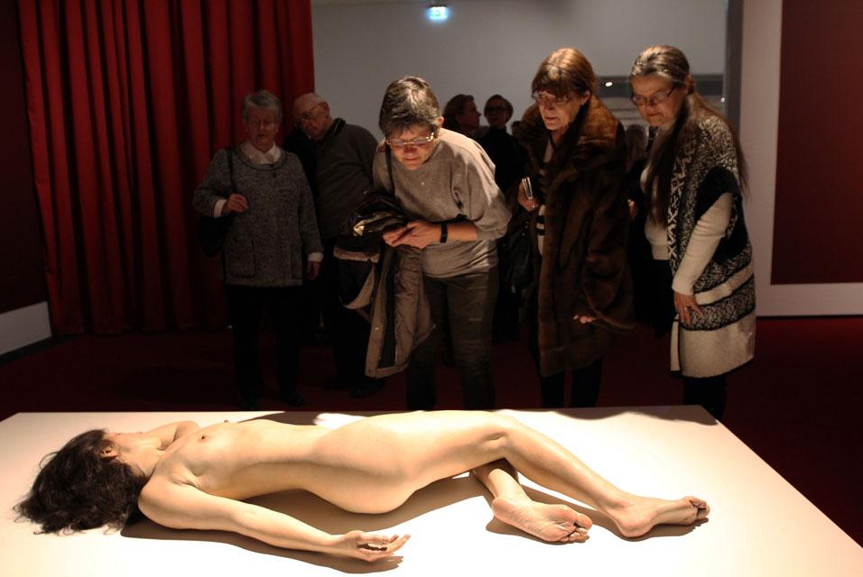 Hyperrealistic humanoid sculptures, Arken 2