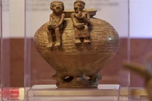pre-Columbian pottery piece   6