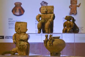 pre-Columbian pottery piece   7