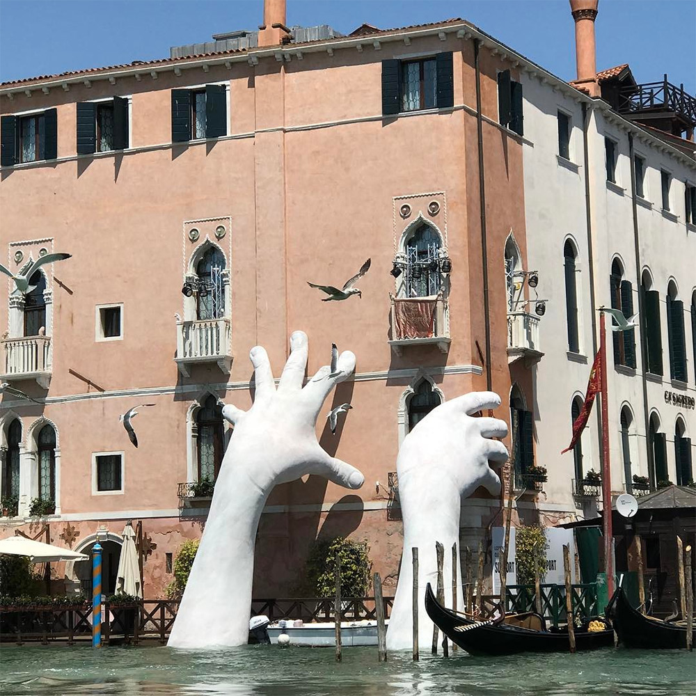 Monumental Hands, Venice 2017