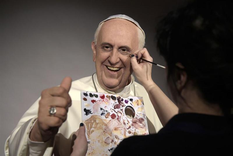 wax effigy of Pope 2