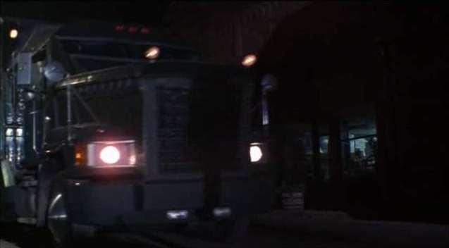 Бронелаборатория из фильма Фантомы (США, 1998)