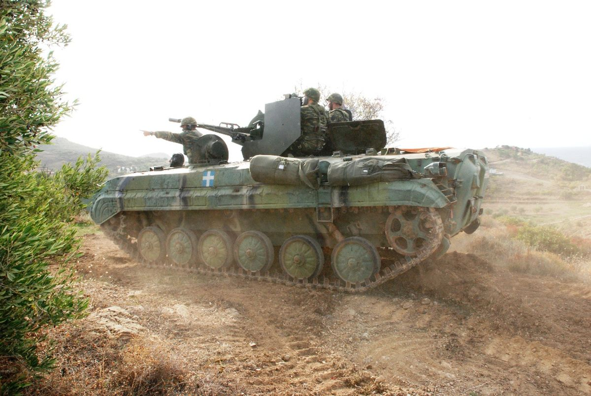 Os gregos adotaram o BMP-1 e o ZU-23-2