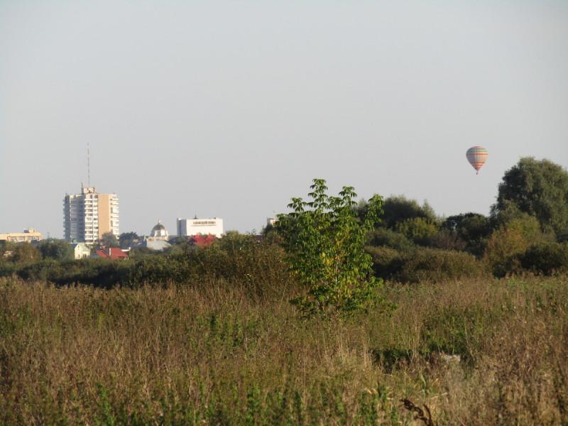 Повітряна куля над містом Луцьк