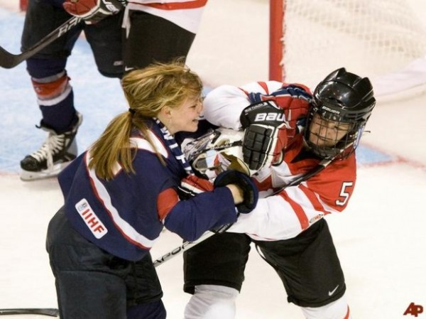 women-s-hockey--624x467
