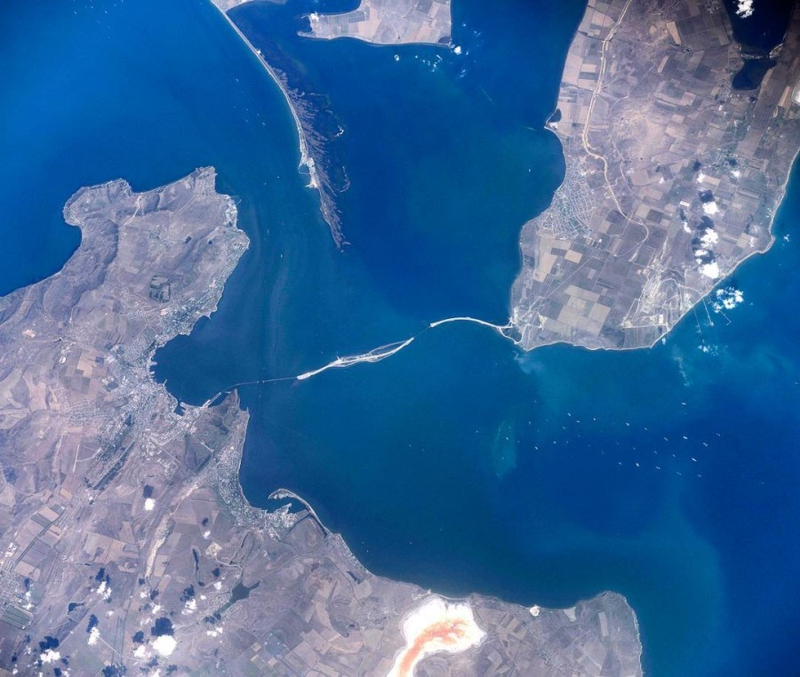 Крымский мост, вид с МКС.jpg